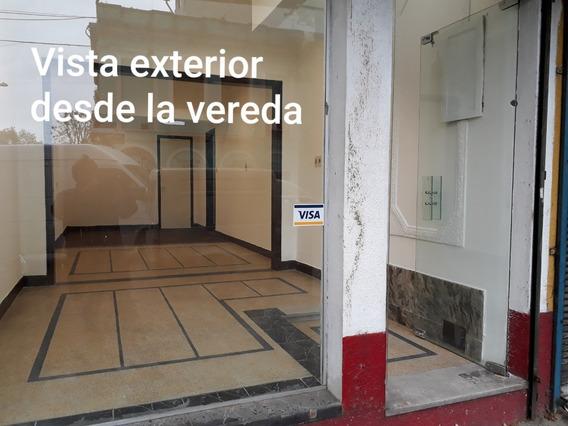 Dueño Alquila Local, A Metros De Reus Paseo De Compras
