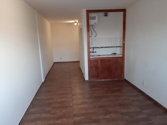 Apartamento Monoambiente Como Nuevo. El Mejor Del Cordon.