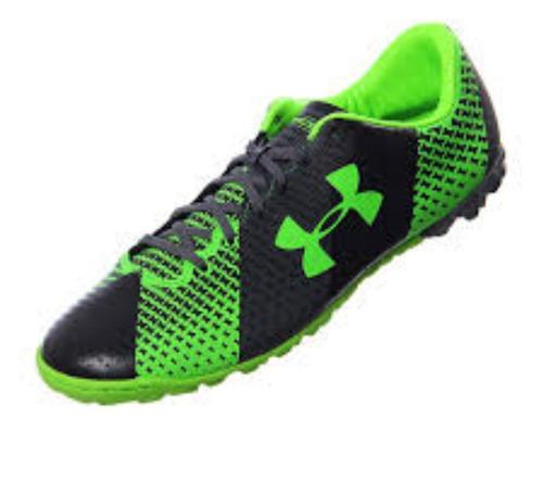 zapatos under armour de futbol uruguayo