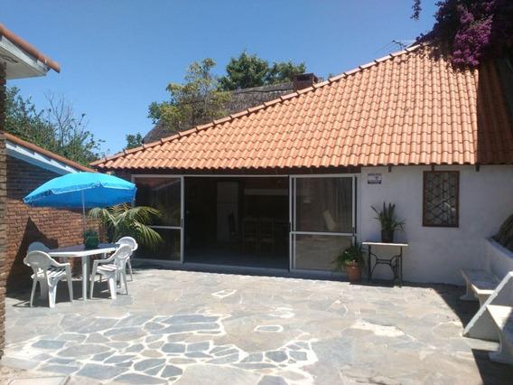 Casa En Atlántida, Exelente Ubicación Barrio Jardín