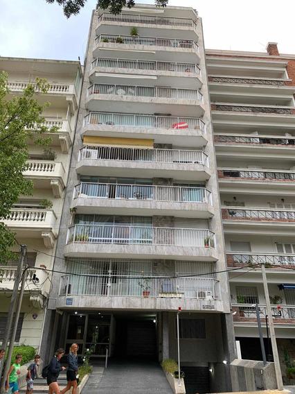 Apartamento De 3 Dormitorios ,2 Baños Más Servicio Y Garage