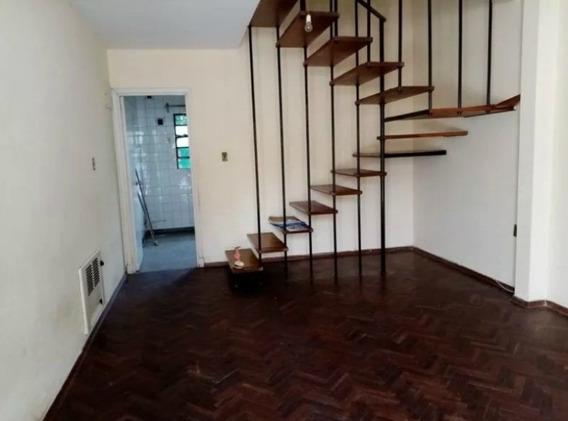 Alquiler Casa De 2 Plantas En Jacinto Vera. 2 Dormitorios.