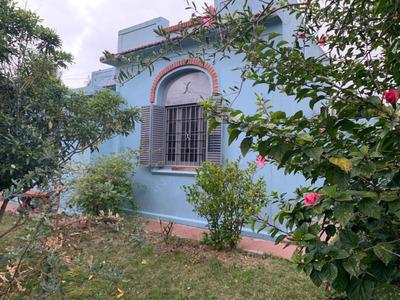 Gran Oportunidad !!! . Hermosa Casa De 2 Dorm Con Galpon !!!