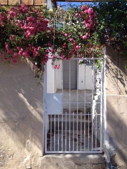 Preciosa Casa En El Cerrito. Recién Reformada! Directo Dueño