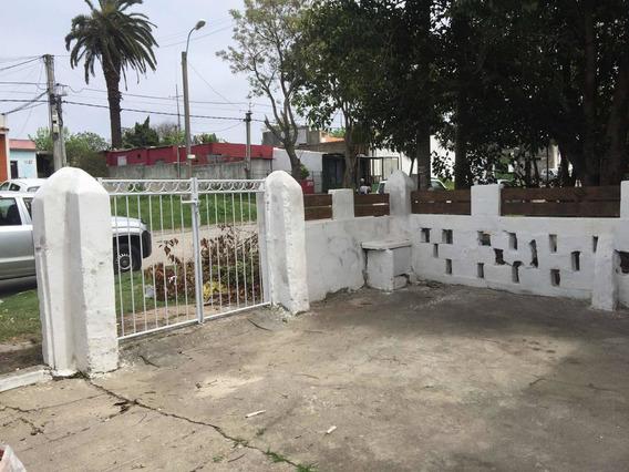 Casa 1 Dormitorio Cerrito Con Entrada Para Auto