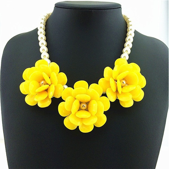 Collar Fantasía Con Perlas Y Rosas Amarillas