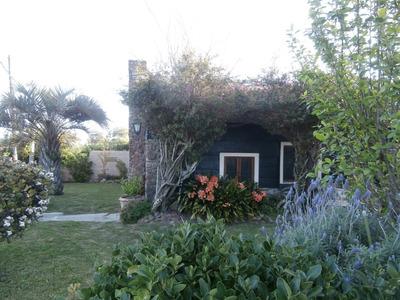 Hermosa Casa En Balneario Las Flores A 50 Mts. De La Playa