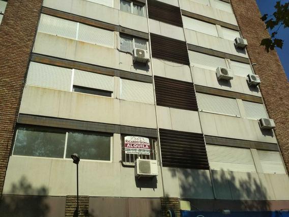 Ricardo Gorga - Apto 2 Dormitorios Todo Al Frente Sobre Av Agraciada