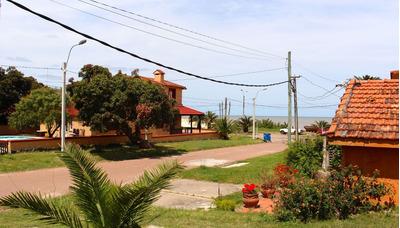Casa 3 Dormitorios, Patio, Parrillero A 1 Cuadra De La Playa