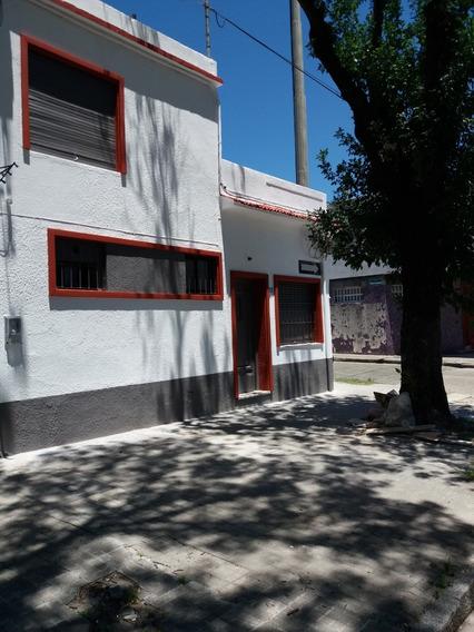 Casa Esquina, Reciclada A Nueva, A 2,5 Cuadras Br. Artigas
