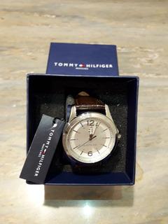 Reloj Tommy Hifilger 2 Meses De Usomas Billetera Tommy Cuero