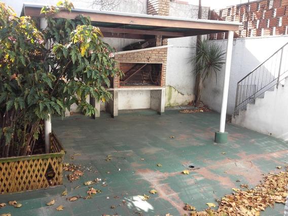 Linda Casa Frente Al Xxx, Para Variados Rubros.