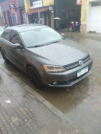Volkswagen Vento 2.5 Confort At 170cv 2013