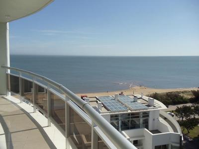Apartamento En Punta Del Este Con Vista A La Mansa