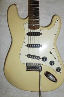 Guitarra Stratocaster Squier Korea