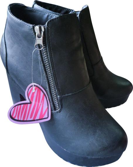 Botitas Negras Con Taco Miss Carol T 38 Calzado Ciberlunes