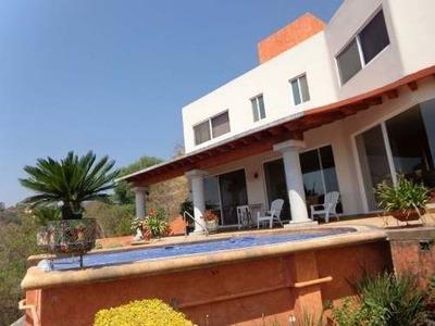 Hermosa Residencia Con Inigualable Vista Panoramica.