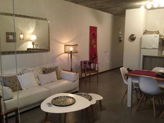 Venta Y Alquiler En Manantiales, 2 Dormitorios, Parrillero Propio.-ref:470