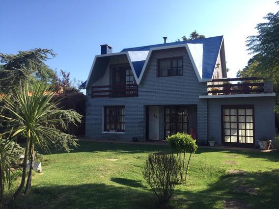 Casa En Solymar Sur, 4 Dormitorios, 2 Baños.