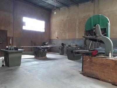 Local 350 M, Carpinteria ,con Maquinas Pronto Para Trabajar