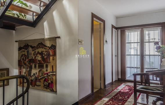Casa De 5 Dormitorios Y Garage En Punta Carretas