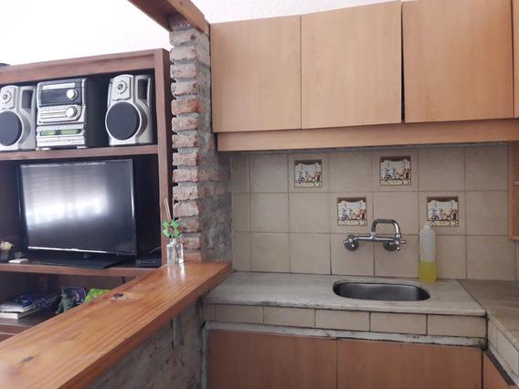 Casa 1 Dormitorio Al Frente Con Jardin
