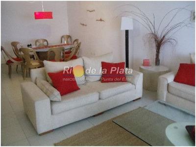 Cerca De Hotel Casino Conrad Y De Punta Shopping, En Parada 3, Muy Cerca De La Playa - Ref: 8764
