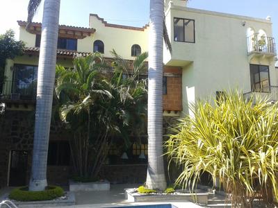 Casa En Exclusivo Fracc. Vista Hermosa (cuernavaca)