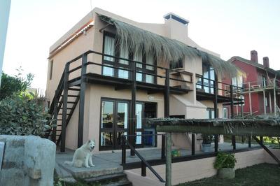 Posada Con 8 Apartamentos En Punta Del Diablo