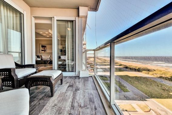 Venta De Apartamento, 2 Dormitorios Playa Brava