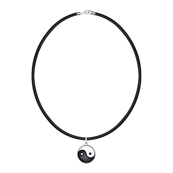 Collar Con Símbolo Ying-yang Con Caucho By Sarah Kosta Joyas