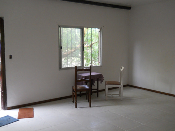 Alquilo Casa De 2 Dormitorios Con Terreno