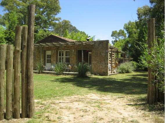 Venta De Casa 3 Dormitorios En La Barra, Punta Del Este.