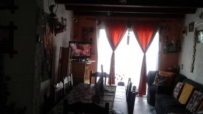 Casa De Dos Plantas 4 Dormitorios Dos Baños. Lagomar .