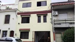 Amplia Casa Con Cochera Y Gran Barbacoa En Excelente Zona!