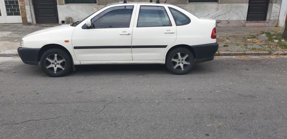Volkswagen Polo 98,nafta 1.6