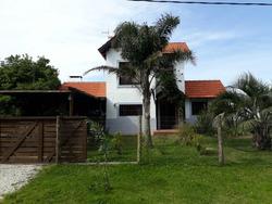 Excelente Casa Frente Al Mar Con Piscina Climatizada