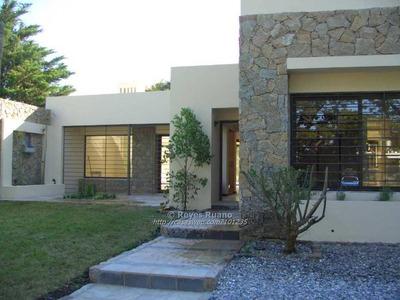 Casa En Alquiler Y Venta De 3 Dormitorios En Carrasco