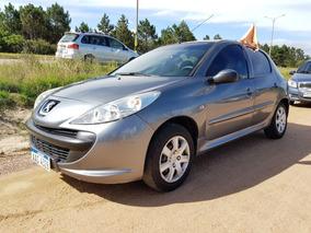 Peugeot 207 Compact 1.4 Nafta - Financio / Permuto
