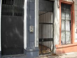 Apartamento Sencillo A 3 Cuadras De 3 Cruces