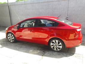 Kia Rio Sedan 1.4 - 7200 Km