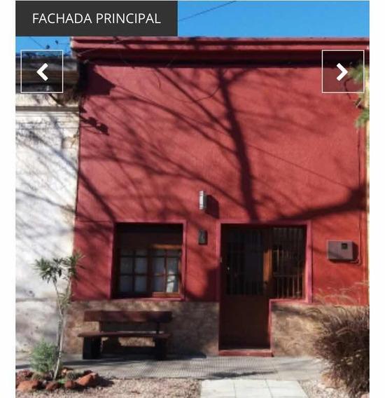 Se Vende O Permuta Casa En Pleno Centro De La Ciudad.