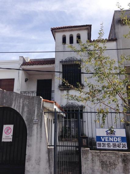 Venta Casa 6 Dormitorios En Tres Cruces