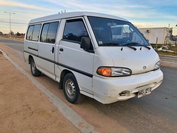 Hyundai H100 2.5 12 Pas Spr Minibus 2002