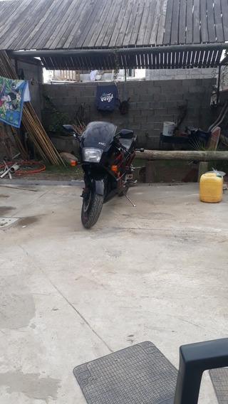 Kawasaki 750 R