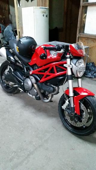 Ducati Monster 696 Inmaculada!!
