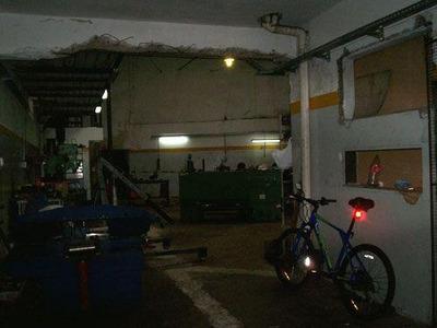 Local Comercial Con Vivienda, Patio