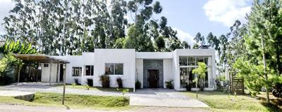 Oportunidad! Casa 3 Dorm Barrio Privado Constr. Tradicional