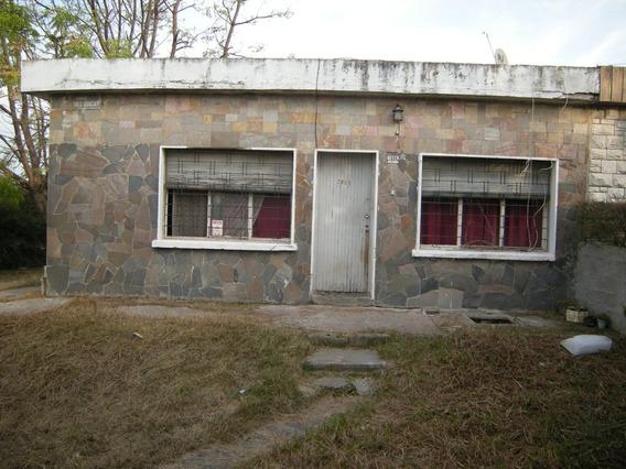Casa De Dos Dormitorios En Piedras Blancas!!!!