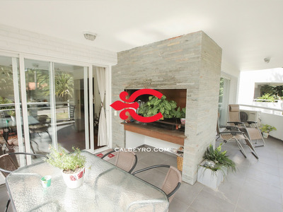 Excelente Apartamento En Carrasco. Ref: 5850